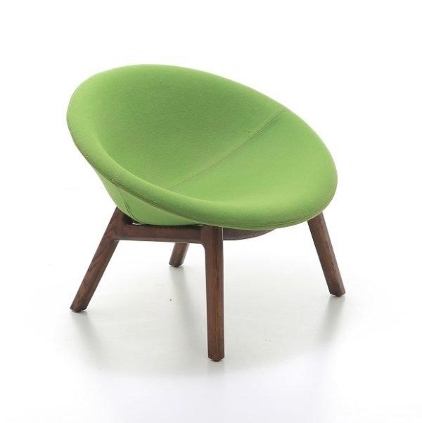 pana-wooden-base-guest-chair