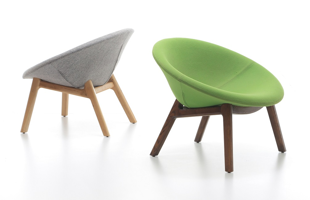 pana-wooden-base-Guest-chair-setting