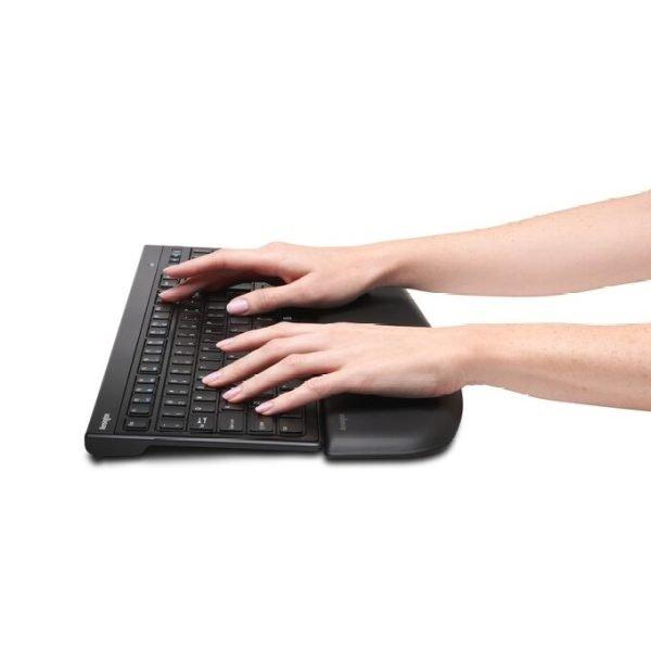 Kensington-ergosoft-wristrest-slim-hands